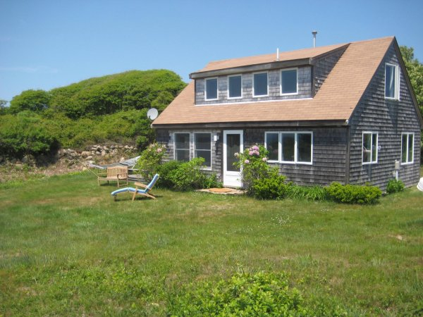 Aquinnah Field House
